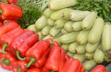 Paprika und Zucchini