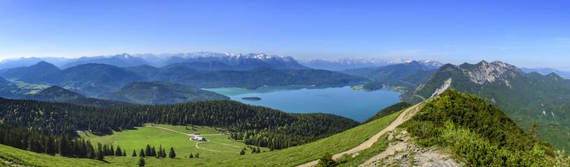 Wall Mural - Ausblick auf den Walchensee und das Werdenfelser Land mit Karwendel und Wetterstein