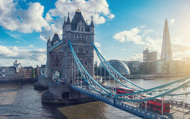 Fotobehang London tower bridge with city of london