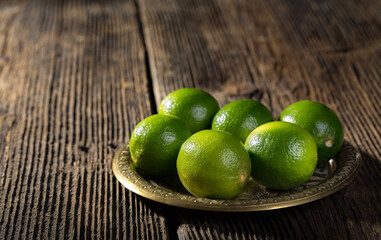 Bunch of limes.