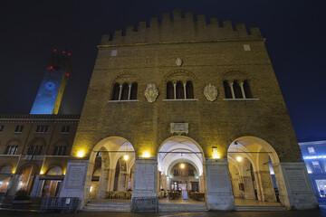 palazzo dei trecento e torre civica a treviso italia europa da visitare per turismo italy europe