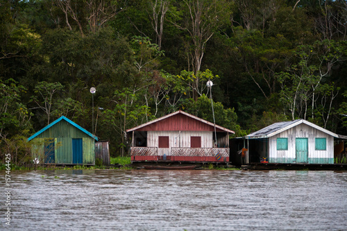 floating houses in amazon river manaus brazil. Black Bedroom Furniture Sets. Home Design Ideas
