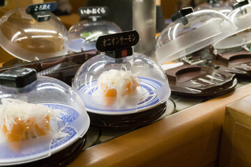 回転寿司 レーン
