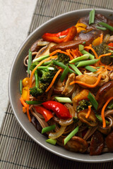 noodles with wok vegetables