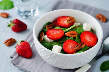 Strawberry spinach goat cheese pecan salad