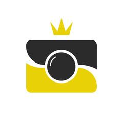 Royal shot icon, logotype. Camera wint crown.