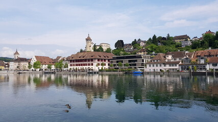 Blick über den Rhein zur Altstadt von Schaffhausen