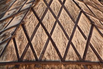 Фрагмент соломенной крыши.