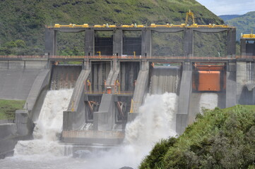 Presas Hidroeléctrica, Baños Ecuador