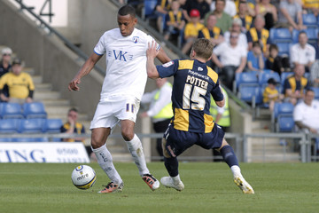 Oxford United v Chesterfield npower Football League Two