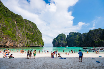 Thailand - 31 April 2017 ::Maya Bay - Famous beach in Krabi