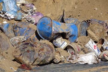 Nielegalne odpady chemiczne