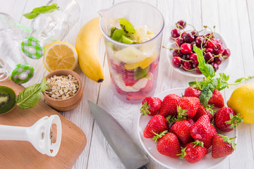 Cooking fruity smoothie
