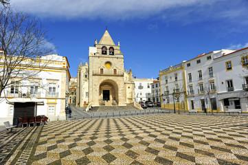 Praça da República e Catedral de Nossa Senhora da Assunção, Elvas, Alentejo, Portugal