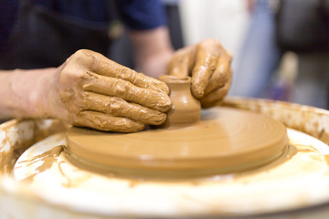 Molding with pottery