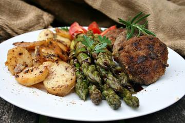 organisch, lifestyle, bratlinge, spargel, bratkartoffeln, wildkräuter, balsamico, bianco