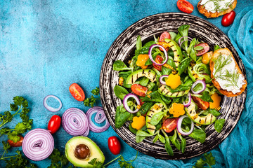 Salad with grilled avocado