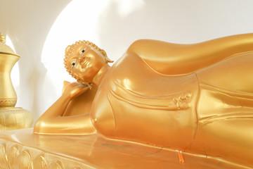 Reclining Buddha statua