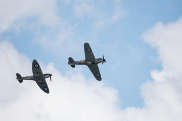 Photo sur Aluminium Aerien Air Show, Sky Aerobatic Team, Plane acrobatics - Supermarine Spitfire
