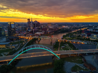 Fototapete - nashville skyline with drone