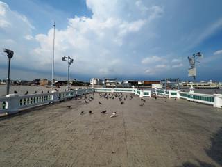 Wat Kalayanamitr port with