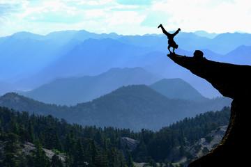 uçurumdaki cesur adam & riskli hareket