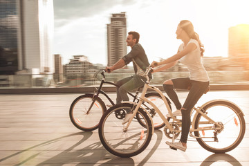 Romantic couple with bicycles