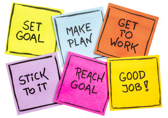 set and reach goal concept on a set of notes