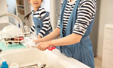 親子で洗い物