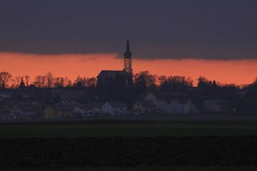 Abendrot auf dem Land in Bayern