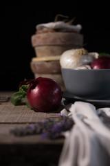tavolo con cipolle