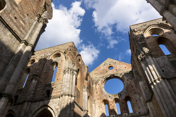Abandoned Church in Tuscany 02