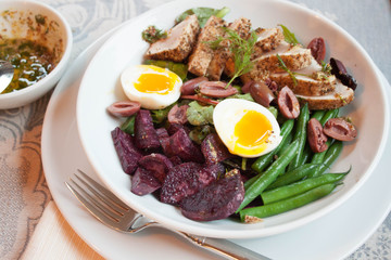 Seared Albacore Tuna with Green Beans and Soft Boiled Egg