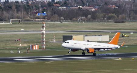 Flugzeug, Landung, Flughafen