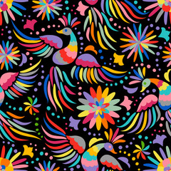 Wzór haftu meksykański. Kolorowy i ozdobny wzór etniczny. Ptaki i kwiaty ciemne tło. Kwiecisty tło z jaskrawym etnicznym ornamentem. - 158801881