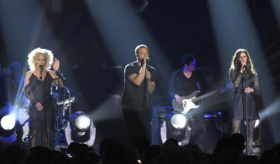 2017 CMT Music Awards  – Show - Nashville