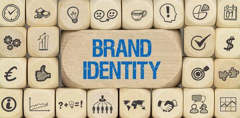 Brand Identity / Würfel mit Symbole