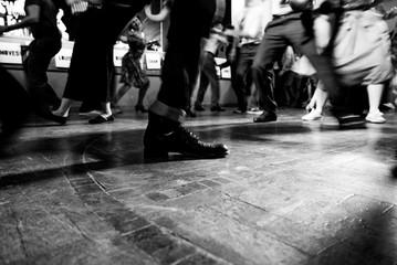 Ballerini di swing nella sala da ballo