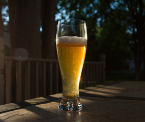 Beer in glass_center