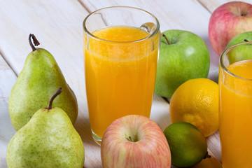 Рецепт приготовления фруктового сока,крупный план