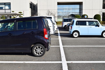 駐車場に停めた車