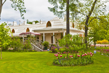 Фермерский дворец, парк Александрия, Петергоф. Санкт-Петербург.