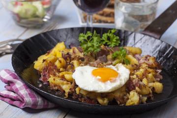 Tiroler Groestl ein Kartoffelgericht