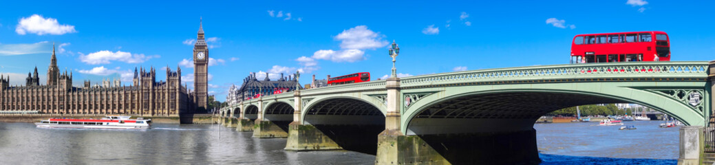 Fototapete - London panorama with red buses on bridge against Big Ben in England, UK