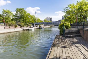 Fotobehang Kanaal Ruoholahdenpuisto canal in Helsinki, Finland