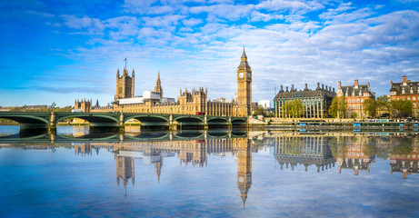 Poster London Big Ben and Westminster parliament with blurry refletion in London, United Kingdom at sunny day.
