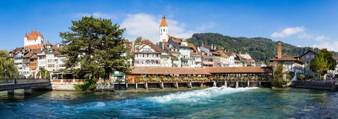 Blick auf die Altstadt von Thun, Schweiz