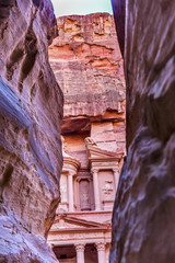 Outer Sig Rose Red Treasury Afternoon Entrance Petra Jordan