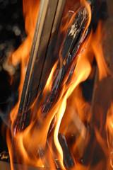 Wenn Holz verbrennt - Feuer