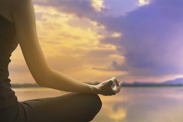 photos illustrations et vidéos de méditation gens
